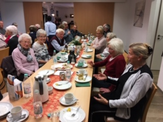 Ü-80 Treffen im Café Zeitlos