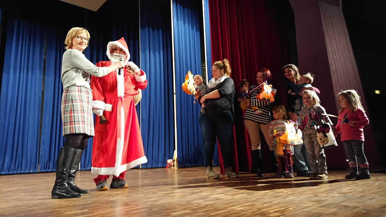 Stimmungsvolle Nikolausfeier der VfL-Kinder